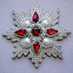 Soutache order brooch