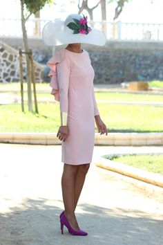 VESTIDO ALEXIA ROSA PALO | Chuchus et moi Classy Chic, Classy Dress, The Dress, Pink Dress, Fiesta Outfit, Mother Of Bride Outfits, Act Like A Lady, Royal Clothing, Goth Women