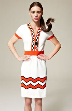 Such a fun zig-zag patterned dress. We have this in blue.