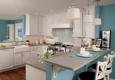 Ebbtide SW 6493, Sherwin-Williams; ceiling and trim paint: Whitetail SW 7103, Sherwin-Williams Traditional Kitchen by Paula Kennedy CMKBD