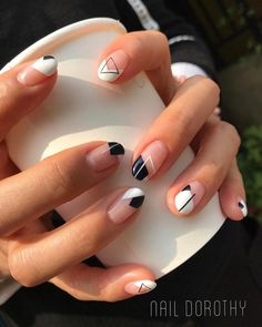 Try some of these designs and give your nails a quick makeover, gallery of unique nail art designs for any season. The best images and creative ideas for your nails. Organic Nail Salon, Organic Nails, Minimalist Nails, Cute Nails, My Nails, Cute Shellac Nails, White Shellac, Glitter Nails, Ongles Bling Bling
