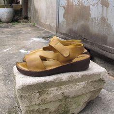 Sandália Nice amarela Comparsaria