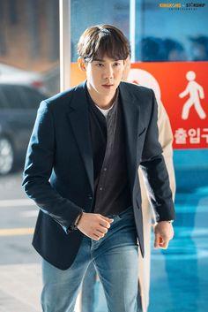 Yoo Yeon Seok, Korean Drama Movies, Happy Pills, Gong Yoo, Crushes, Korean Idols, Blazer, Jackets, Asian