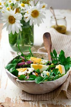 Crispy Chickpea and Arugula Salad - null Arugula Salad, Egg Salad, Crispy Chickpeas, Serving Bowls, Food Photography, Salads, Diet, Fresh, Ethnic Recipes