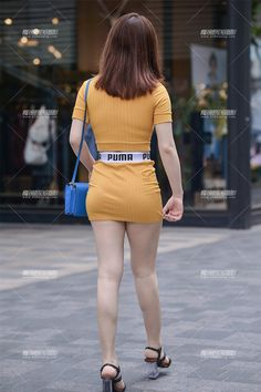 Cute Asian Girls, Beautiful Asian Girls, Summer Outfits Women, Sexy Outfits, Little Girl Leggings, Sexy Legs And Heels, Sexy Skirt, Sexy Jeans, Mini Skirts