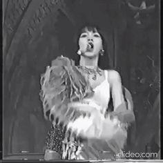 Black Pink Songs, Lisa Black Pink, Black Pink Kpop, Aesthetic Videos, Kpop Aesthetic, Aesthetic Girl, Jennie Blackpink, Blackpink Lisa, Blackpink Fashion