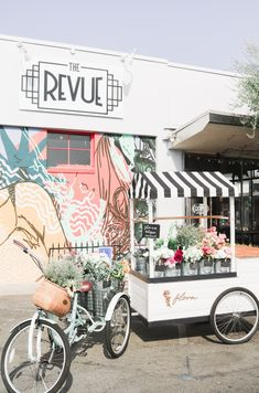 Find Flora Flower Cart around the Central Valley<br> Flower Truck, Flower Cart, Summer Flowers, Pretty Flowers, Gift Shop Displays, Valley Flowers, Central Valley, Flower Boutique, Outdoor Restaurant