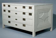 Aprende los pasos para lacar muebles de madera, decapados o nuevos y obtener un resultado atemporal. Handmade Home Decor, Chalk Paint, Dresser, Diy, Furniture, Pintura Interior, Furniture Restoration, Enamel, Copper