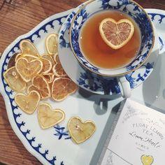 lemon, tea, and heart image Think Food, Tasty, Yummy Food, Aesthetic Food, Summer Aesthetic, Cute Food, High Tea, Afternoon Tea, Tea Time