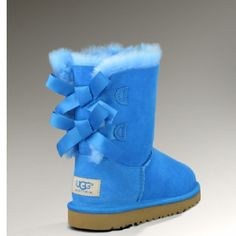 2016 new style cheap Ugg Boots Outlet,Discount cheap uggs on sale online for shop.Order the high quality ugg boots hot sale online. Look Fashion, Fashion Boots, Teen Fashion, Fashion Women, Runway Fashion, Fall Fashion, Paris Fashion, Fashion 2015, Fashion Sandals