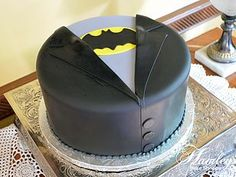 Make a Deadpool one! Batman Grooms Cake, Batman Wedding Cakes, Batman Cakes, Alternative Wedding Cakes, Wedding Cake Alternatives, Wedding Groom, Our Wedding, Wedding Ideas, Wedding Stuff