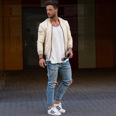 magic_fox sur Instagram : Streetstyle* Jacket: @manieredevoir Jeans: @hm Shoes: @adidas_de