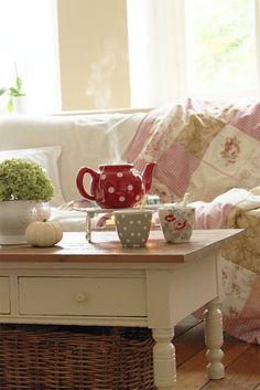 gezellig binnen met een kopje thee