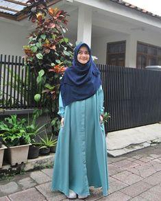 Street Hijab Fashion, Abaya Fashion, Muslim Fashion, Modest Fashion, Fashion Outfits, Modest Dresses, Modest Outfits, Modest Clothing, Casual Hijab Outfit