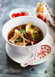 Donna Hay's Mushroom Dumplings with Ginger and Shiitake Broth - a delicious and healthy vegetarian soup celebrating mushrooms. Healthy Soup Vegetarian, Vegetarian Recipes, Healthy Recipes, Indian Food Recipes, Asian Recipes, Ethnic Recipes, Soup Recipes, Cooking Recipes, Recipies