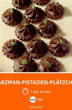 Marzipan-Pistazien-Plätzchen - smarter - Kalorien: 100 kcal - Zeit: 1 Std. 45 Min. | eatsmarter.de