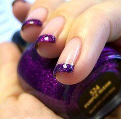 Francesinhas roxas com glitter! Lindo!  #unhas #roxo