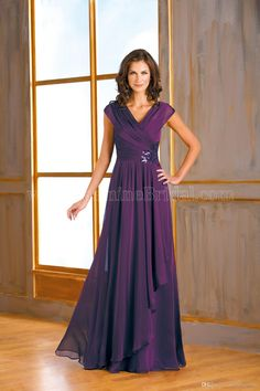 2015 New Formal Dark Purple Chiffon Plus Size Mother Of The Bride Dresses Capped V Neck A Line Ruffles Long Mother Evening Gowns DL1314099