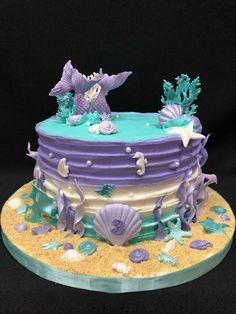 to Make a Mermaid Birthday Cake Mermaid cake birthday cake Cl Birthday, Ocean Birthday Cakes, Ocean Cakes, Beach Cakes, Birthday Cake Girls, Rainbow Petal Cake, Sirenita Cake, Little Mermaid Cakes, Mermaid Cake Pops