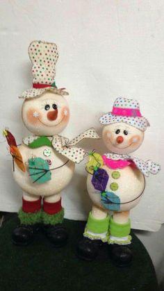 Nieve Winter Christmas, Christmas Presents, Christmas Crafts, Christmas Decorations, Christmas Ornaments, Holiday Decor, Ornament Crafts, Snowman Ornaments, Felt Crafts