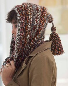 Ravelry: Tasseled Hooded Cowl pattern by Lion Brand Yarn Shawl Patterns, Knitting Patterns Free, Free Knitting, Free Pattern, Sombrero A Crochet, Hooded Scarf, Knit Or Crochet, Crochet Hooded Cowl, Knitted Shawls