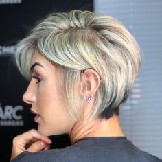 New Pixie And Bob Short Haircuts For Women 2019 - short-hairstyles - Should the long mane give way to a short haircut, of course a little bit of courage is needed. Cool Short Hairstyles, Hairstyles Haircuts, Short Haircuts, Female Hairstyles, Bandana Hairstyles, Baddie Hairstyles, Casual Hairstyles, Everyday Hairstyles, Vintage Hairstyles