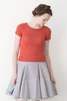 hibiscus by pam allen / quince & co kestrel in rosehip