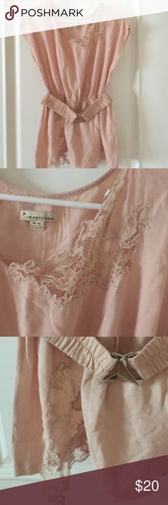 Beautiful top Used good condition size M 100% rayon. Color dusty pink . Open to any reasonable offer 💟 Twentyone Tops Blouses