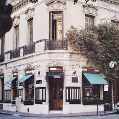 Via @stellemar: Un corte y...un café en San Telmo. Buenos. Aires