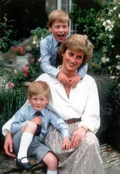 Princess Diana with Princes William and Harry in 1988