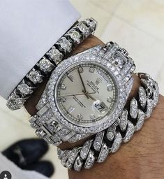 In some cases part of that image is the quantity of money you invested to use a watch with a name like Rolex on it; it is no secret how much watches like that can cost. Stylish Watches, Luxury Watches For Men, Popular Watches, Silver Pocket Watch, Swiss Army Watches, Seiko Watches, Beautiful Watches, Watch Sale, Luxury Jewelry