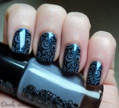 Catrice Looking Greyt, stamped with Konad plate and China Glaze Little Drummer Boy. From Oooh, Shinies! I relly need to get a black nailpolish Cute Nails, Pretty Nails, Seasonal Nails, Nail Time, Types Of Nails, Nail Art Galleries, Beautiful Nail Art, Nail Stamping, Mani Pedi