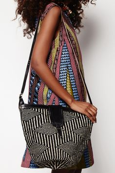 Woven bag: Black + White