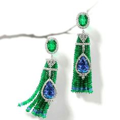 Mesmerizing Emerald Diamond & Tanzanite Earrings by House of Ros Mounted with a 78.33 carat Santa Maria aquamarine and around 2000 cultured pearls the Baïkal necklace is an ode to imperial jewels @boucheron.. #purplebyanki #luxury #loveit #jewelry #jewelrydesign #jewelrydesigner #gold #jewelrydesign #finejewelry #luxurylifestyle #instagood #follow #instadaily #lovely #beautiful #dubaifashion #dubailife #mydubai #beautiful #love #jewelgoals #fashion #emerald #ranzanite #earrings