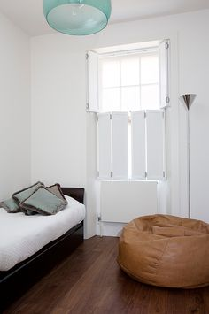 Solid shutters have been used in the UK for more than 200 years. They provide a more traditional finish to dressing your interior wooden windows. White Shutters, Interior Window Shutters, Sash Windows, Blinds For Windows, Curtains With Blinds, Wave Curtains, Shutter Blinds, Modern Curtains, Windows