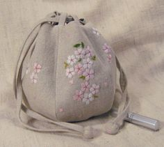 Hiroko Kubota Thread Painting, Kubota, Assemblages, Pouches, Drawstring Backpack, Bucket Bag, Delicate, Cases, Embroidery