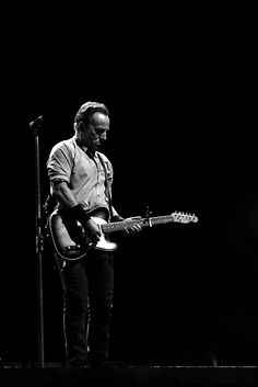 BLACK & WHITE BRUCE: Springsteen in Cardiff, via Alan Downie: