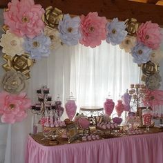 """93 Me gusta, 3 comentarios - Paper Amory (@paper_amory) en Instagram: """"Picture of today's Quinceañera setup. Pink, Blush & Gold Paper Flower Backdrop. Beautiful dessert…"""""""