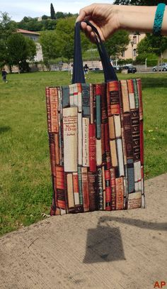 Eliana's bookish bag