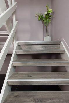 Afbeeldingsresultaat voor open trap bekleden met vinyl