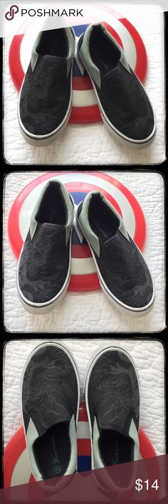 Size 13 boys shoes. Black with gray designs. Excellent used condition size 13 boys shoes. Used once for an indoor party. Black with gray designs. Shoes Sneakers