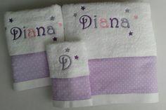 Nuetras toallas de estrellas en versión multicolor para Diana #canastillasbebe #Bautizos #albornozpersonalizado