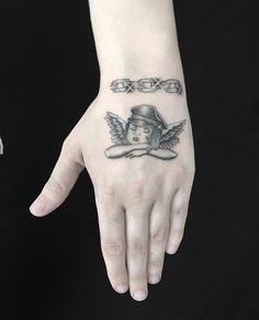 Hand Tattoos, I Tattoo, Tatting, Body Art, Piercings, Finger, Dates, Spider, Tattoo Ideas