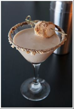 Flaming S'mores Martini Recipe by Doughmesstic | Maypurr