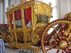 Catherine the Great's Coronation Coach Rococo, Baroque, Russian Culture, Russian Art, Catalina La Grande, Renaissance, House Of Romanov, Catherine The Great, Hermitage Museum