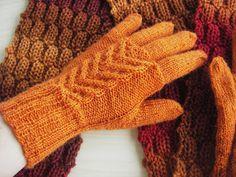 Pia Tuonosen neuleblogi: Ruskakäsineiden ohje Fingerless Mittens, Knit Mittens, Mitten Gloves, Knitting Socks, Woolen Socks, How To Purl Knit, Arm Warmers, Needlework, Knit Crochet