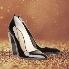 Lush patent leather, low-cut vamp, handcrafted in America... there's nothing the Moma Piano Black doesn't have!  Kick it with your new favorite heels: http://maxmartin.co/product/moma-piano-black-patent-2/