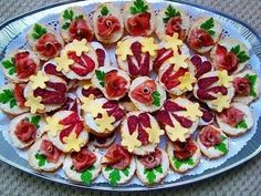 12 Cold Appetizers Serving Ideas for all Occasions Cold Appetizers, Appetizers For Party, Appetizer Recipes, Food Carving, Czech Recipes, Party Finger Foods, Food Garnishes, Party Buffet, Food Crafts