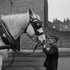 London Street Photography 1950s  60s  Photo: Frederick Wilfred