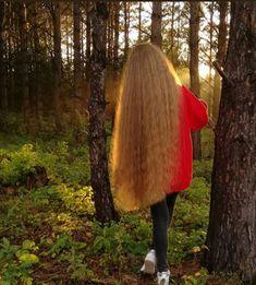 Very Long Hair, Fur Coat, Long Hair Styles, Fashion, Long Hair, Long Long Hair, Moda, Fashion Styles, Long Hairstyle